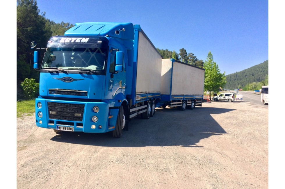 Ford Cargo 2535